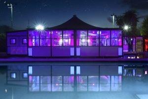 lounge bar con piscina roma